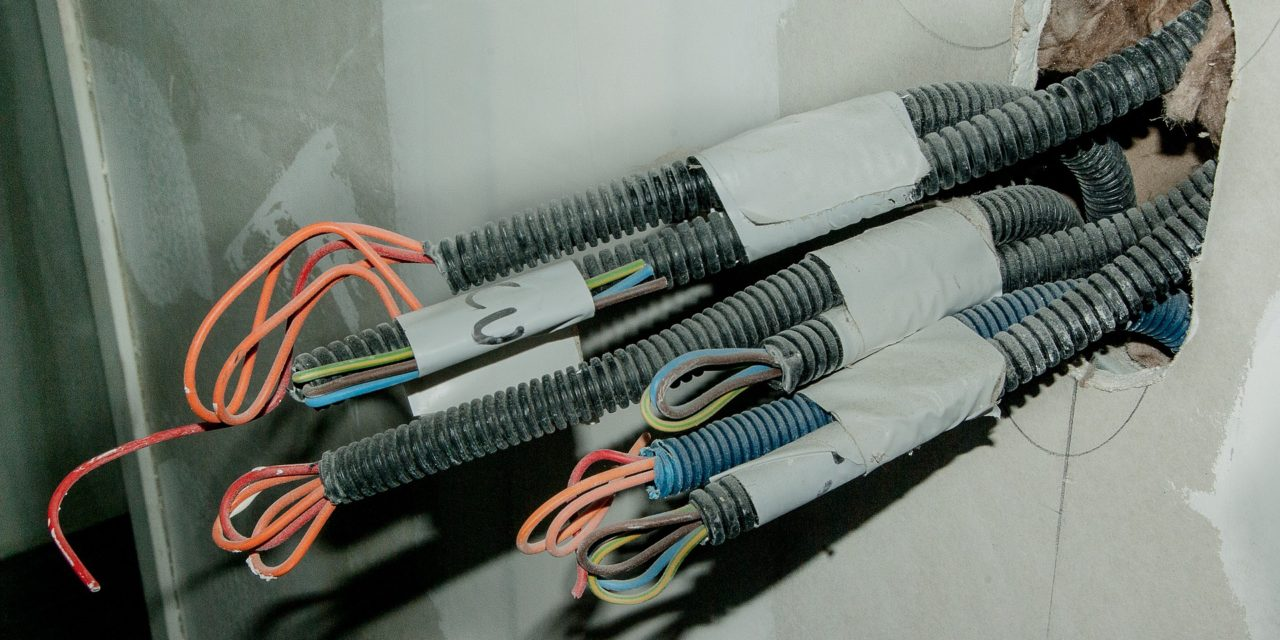 Derfor skal du hyre en professionel elektriker