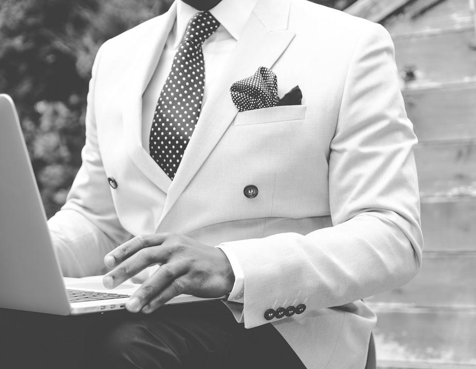 mand i suit