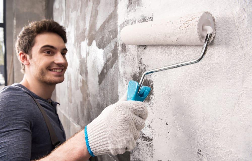 En rigtig mand kan også hyre hjælp til at male