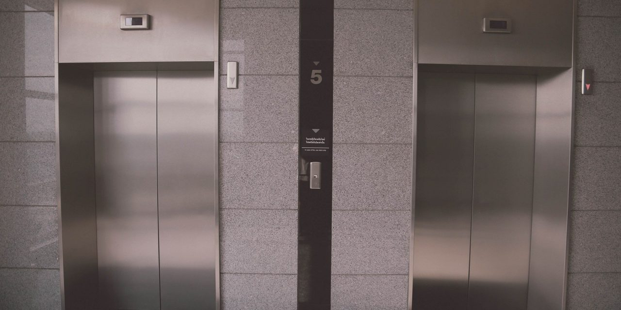Få installeret en elevator